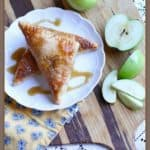 Who doesn't like caramel and apples? Add in a flaky crust & you have a sweet masterpiece! These Caramel Apple Turnovers are easy to make and delicious. #ad #appleturnovers #caramelapple