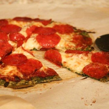 low carb pizza crust made with spinach